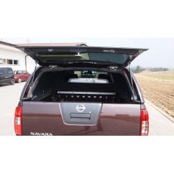 Samonosné sklo zadních dveří na CKT Nissan D40 Work I / Windows I